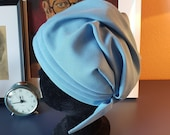 Super cool light blue hat from the 1960s. Size / inner circumference 57 cm / 22,4 inches. hat with 1940s vibe