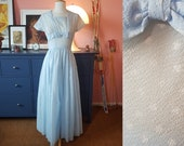 Long dress from the 1950s or 1960s // Evening dress from the 1950s or 1960s. EU 32-34 // UK 6-8 // US 2-4. Waist 66 / 26 inches