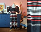 Long dress from the 1970s. Size EU 42-44 / UK 16-18 / US 12-14. Chest 104 cm / 40,9 inches