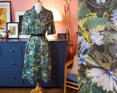 Day dress from the 1960s/1970s. Size EU 40-42 / UK 14-16 / US 10-12. Chest 100 cm / 39,4 inches