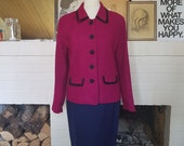 Jacket / coat from the 1960s Jackie / chanel style. Size EU 40-42 / UK 12-14 / US 8-10. Chest 100 cm / 39,4 inches