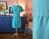Day dress from the 1960s. / summer dress. A fix it up dress. Size EU 38 / UK 12 / US 8. Waist 78 cm / 30,7 inches