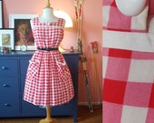 Day dress from the 1950s / summer dress from the 1950s / 50s gingham dress. EU 34-36 // UK 8-10 // US 4-6. Waist 70 / 27,6 inches