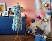 Summer dress / day dress from the 1950s. possible child size or a Size EU 38 / UK 12 / US 8. With slim shoulders.