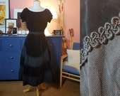 Day dress from the 1950s. Evening 50s dress. New look dress. Size EU 34 / UK 8 / US 4. Waist 70 cm / 27,6 inches.