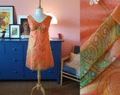 Sweet little dress / summer dress from the 1960s.  Size EU 34 / UK 8 / US 4. Chest 86 cm / 33,9 inches