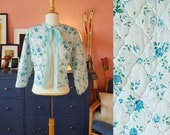 Bed jacket from the 1950s/1960s. This item is a one size.