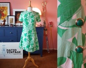 Day dress from the 1960s. EU 38 // UK 12 // US 8. Chest 94 cm / 37 inches