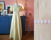 Empire cut dress / evening dress from the 1960s. EU 34 // UK 8 // US 4. Chest 86 cm / 33,9 inches