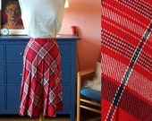 Nice skirt from the 1960s. Pleated 60s skirt. Size EU 34 / UK 8 / US 4. Waist 70 cm / 27,6 inches