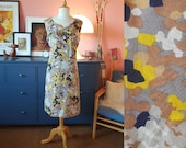 Day dress from the 1960s. / summer dress. Size EU 42-44 / UK 16-18 / US 12-14. Waist 92 cm / 36,2 inches