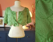 Green bolero jacket from the 1960s. Size EU 38-40 / UK 12-14 / US 8-10. Chest 98 cm / 38,6 inches