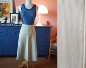 Skirt from the 1960s. Size EU 42 / UK 16 / US 12. Waist 84 cm / 33,1 inches