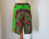 Shorts with vintage like pattern. Aneta Larysa Knap shorts / Folk Design shorts. Size EU 38 / UK 12 / US 8. Waist 77 cm / 30.3 inches