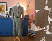 Day dress from the 1940s. Rare plus size 40s dress. Size EU 48 / UK 22 / US 18. Waist 100 cm / 39,4 inches.