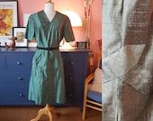 Cocktail dress from the late 1950s or early 1960s. Rare plus size vintage. Size EU 48 / UK 22 / US 18. Waist 100 cm / 39,4 inches
