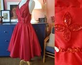 Dancing dress or party dress. Christmas dress. 50s look dress. Rockabilly dress.  Size EU 38 / UK 12 / US 8. Waist 78 cm / 30,7 inches