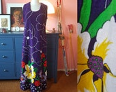 Long dress from the 1970s // maxi dress from the 1970s. EU 42 // UK 16 // US 12. Waist 90 / 35,4 inches