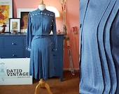 "Beautiful 1970s dress in 1940s style. EU 34-36 // UK 8-10 // US 4-6. Waist 66-72 / 26-28,3 inches. Brand ""Selene"" (Italy)"