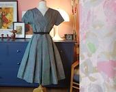Dress from the 1950s. Formal wear 50s dress. 1950s Evening dress. Size EU 38 / UK 12 / US 8. Waist 79 cm / 31,1 inches