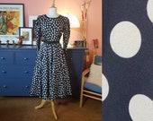 1980s dress with polka dots. 80s does 50s dress. Rockabilly dress. Size EU 42 / UK 16 / US 12. Waist 84 cm / 33,1 inches