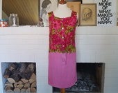 Beautiful day / summer dress from the 1960s. Size EU 34 / UK 6 / US 2-4. Chest 85 cm / 33,5 inches