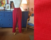 Red pants from the 1970s. High wiasted 70s pants. Rare larger size vintage. Size EU 46 / UK 20 / US 16. Waist 94 cm / 37 inches