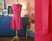 Beautiful pink dress from the 1960s. 60s Day dress. Size EU 32 / UK 6 / US 2. Waist 66 cm / 26 inches