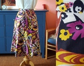 Lovely skirt from the 1960s. Size EU 34 / UK 8 / US 4. Waist 71 cm / 28 inches