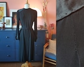 Black dress from the 1930s. Size EU 40-42 / UK 14-16 / US 10-12.  Waist 86 cm / 33,9 inches