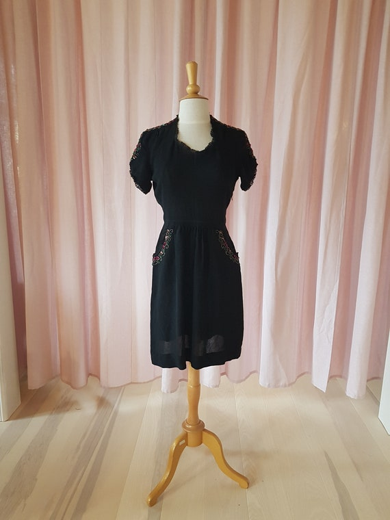 Day dress from the 1940s. Lovely black 40s dress.… - image 2