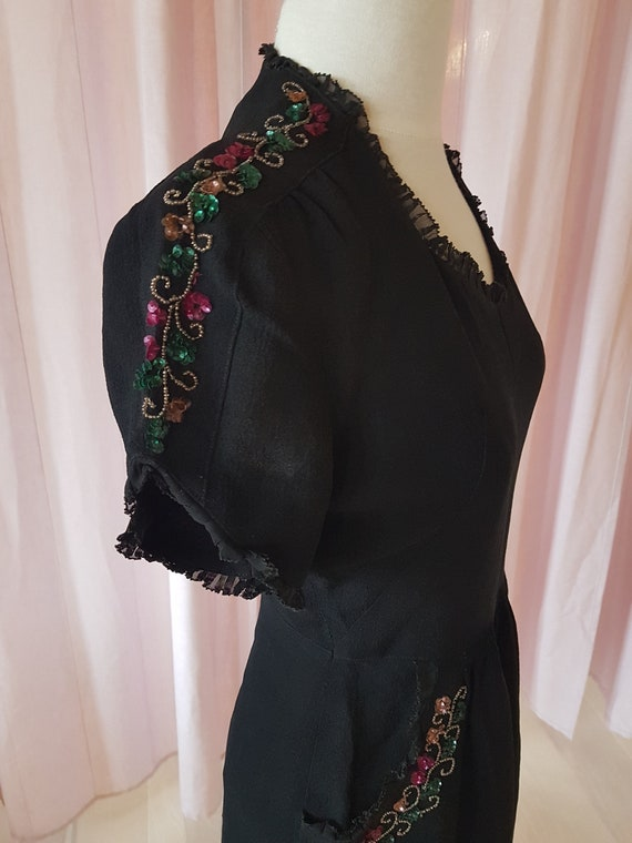 Day dress from the 1940s. Lovely black 40s dress.… - image 7