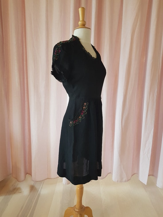 Day dress from the 1940s. Lovely black 40s dress.… - image 6