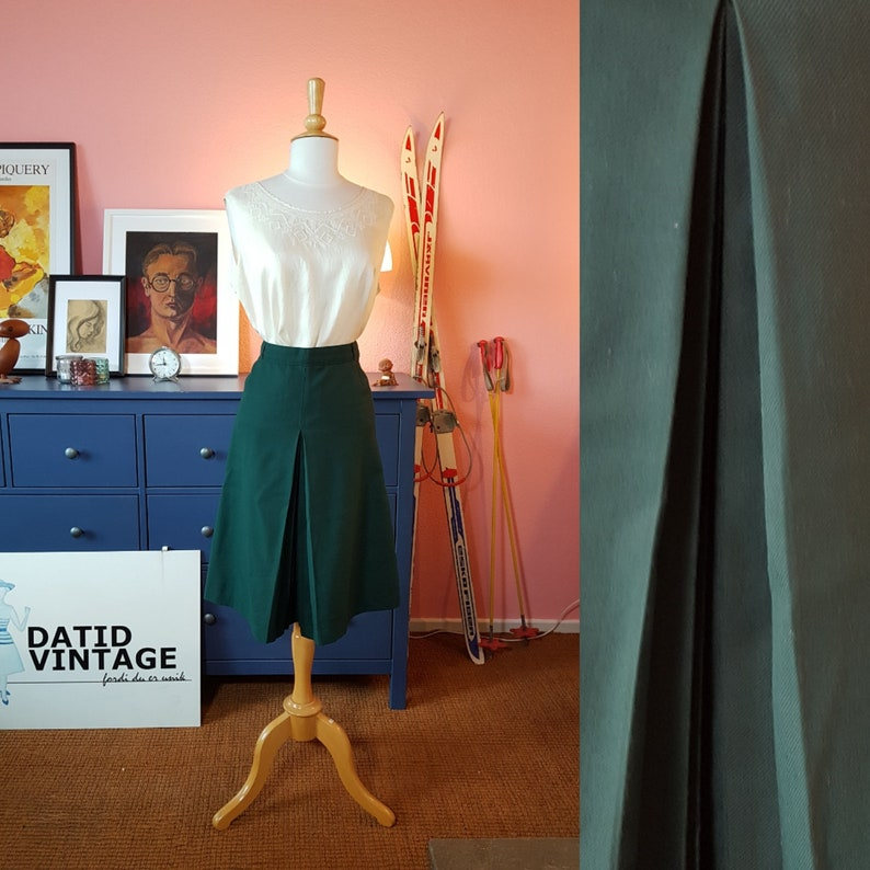 Green Skirt from the late 1960s or early 1970s Waist 75 cm  29,5 inches Size EU 36  UK 10  US 6