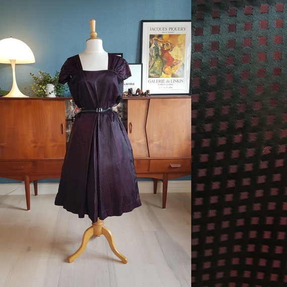 Evening dress from the 1940s in larger size. size
