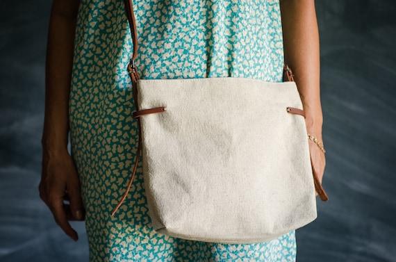 0bfd7fc1b4f6 Shoulder bag   Women postman bag   Travel bag   Canvas bag