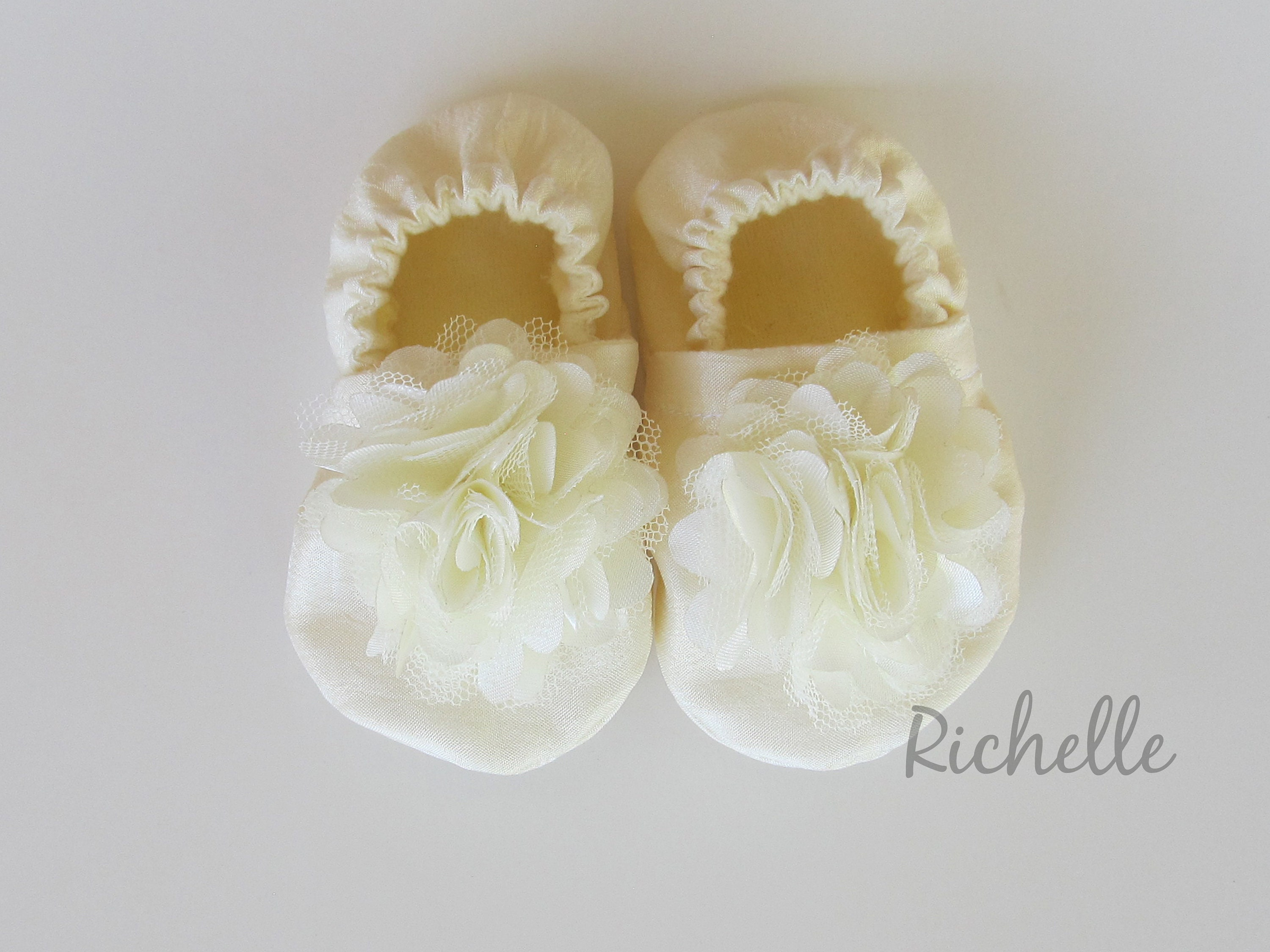 BABY GIRLS SHOES WHITE,IVORY//CREAM CHRISTENING//WEDDING//PARTY PATENT PRAM SHOES