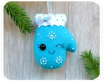 Cute Christmas ornaments Mittens Christmas decorations Christmas tree toy Felt Christmas mitten New Year decorations Christmas gift