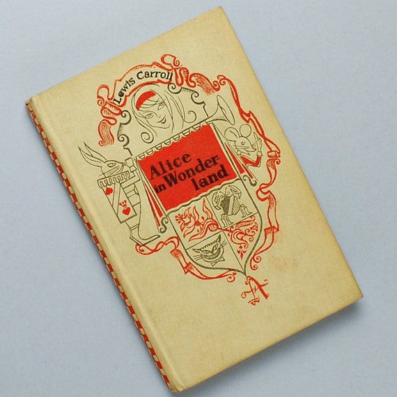 Alice In Wonderland English Book
