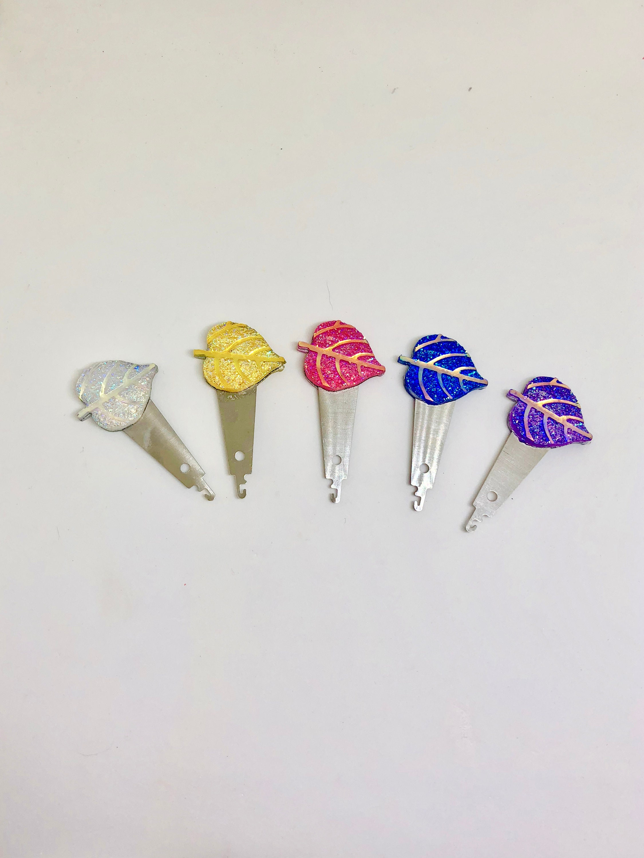 Small Sparkle Leaf Needle Threaders for Cross Stitch//Embroidery