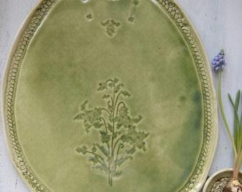Servierplatte handgeformt grün