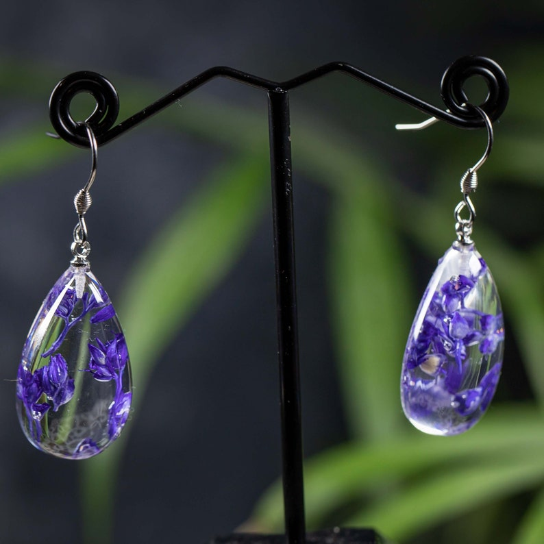 Great beautiful Romantic real Flower earring drop shape delicate violet in environmentally friendly epoxy resin stainless steel earwires