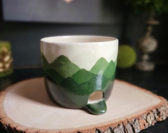 Hand Painted Green Mountains Ceramic Sponge Holder With drainage