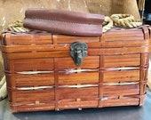 Wood basket purse