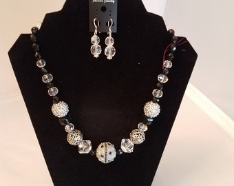 18 Inch Hand made Necklace with Earrings