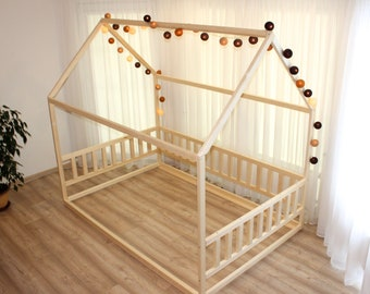 Toddler house bed without slats, Montessori floor bed, kid's bed, wood bed, kid's bedroom, www.home4dreams.com