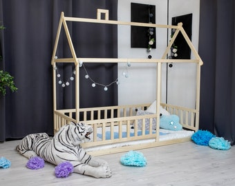 Toddler house bed, children bed, Montessori bed, kid bed, wood bed, children home, waldorf toy, nursery crib, kids bedroom, floor bed