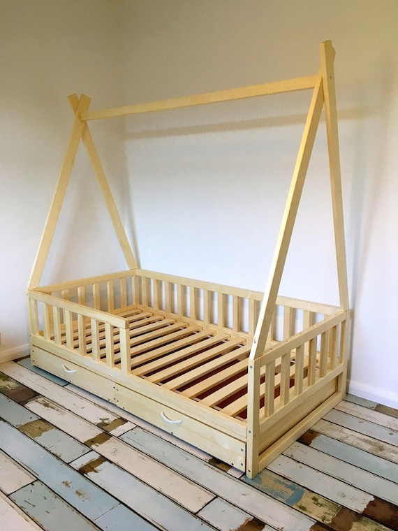 Toddler bed ,nursery crib, children bed, Montessori bed, kid bed, wood bed, children home, waldorf toy,  kids bedroom, floor bed