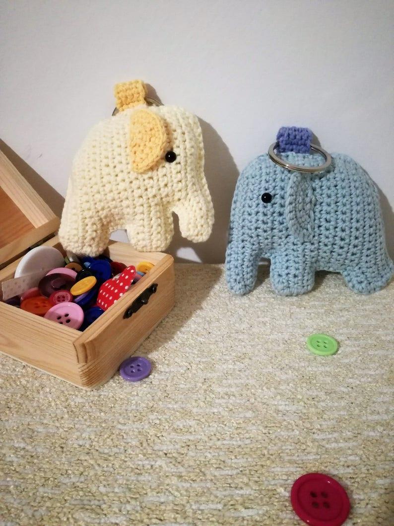 Crochet Elephant key chain [ sew step by step ] - YouTube | 1059x794