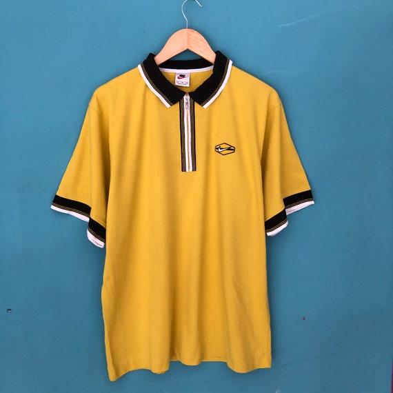Vintage 90s Nike Yellow Polos Tee / Vintage 90s Ni